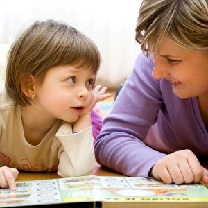 Dọn dẹp nhà thói quen để dạy trẻ em của bạn